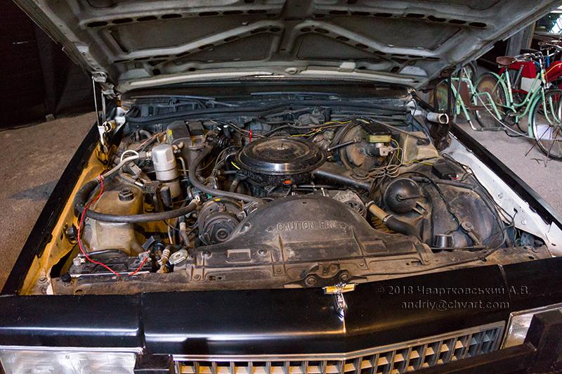 Двигун V8