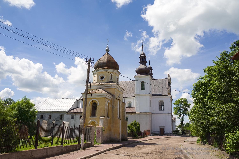 Дзвіниця та церква Св. Миколая