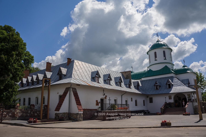 Монастирський храм
